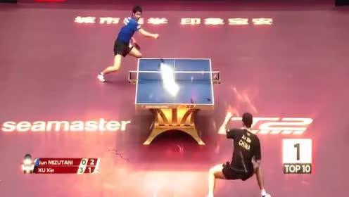 裁判:这比赛我判不了,这根本不是比赛