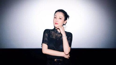 50岁陈红再曝美照,气质优雅颜值高,黑色look怎么穿怎么瘦