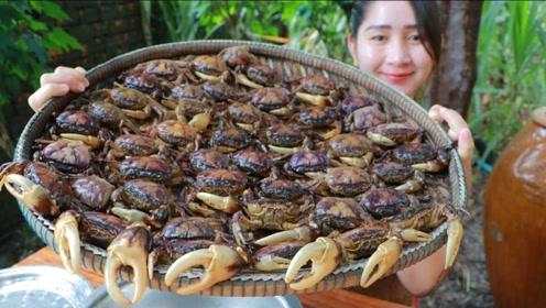 给网友看饿了!美女烹饪一大盆螃蟹,看到成品后网友直呼饿坏了!