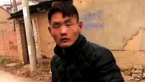 这个人看起来好眼熟,好像在哪儿见过,这不是报废版的李荣浩吗