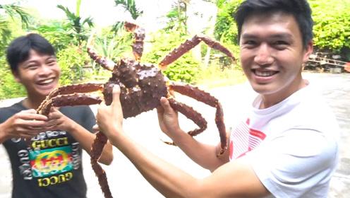 弄了一只螃蟹回来改善生活,要是天天有吃就好了!你说呢?