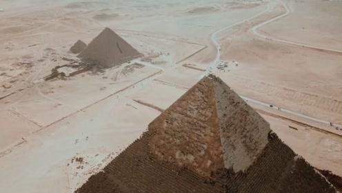 为什么禁止游客爬金字塔?老外作死爬到达顶端后,后悔都晚了!