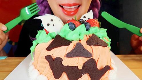 小姐姐吃节日主题蛋糕,可爱的小幽灵,用什么制成呢?