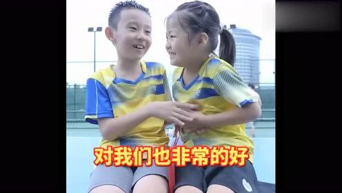 小依依和伙伴的偶像原来是他,让我们有点吃惊!