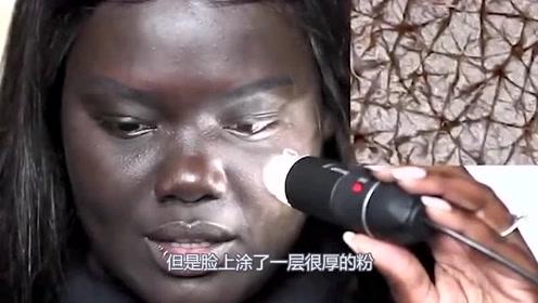黑人妹子用显微镜观察自己皮肤,放大100倍后,瞬间把自己吓到了
