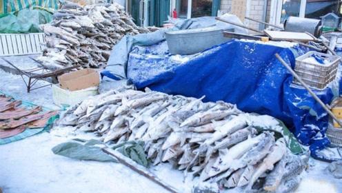 俄罗斯人如何吃鱼?看到他们的刀工,网友:确定不是木工?