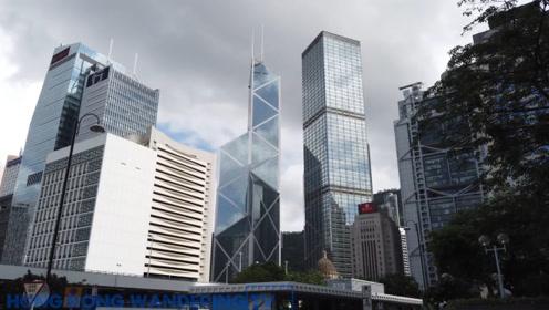 """李嘉诚有多狠?就算香港楼价""""跌死"""",一年还能坐享5亿利息"""