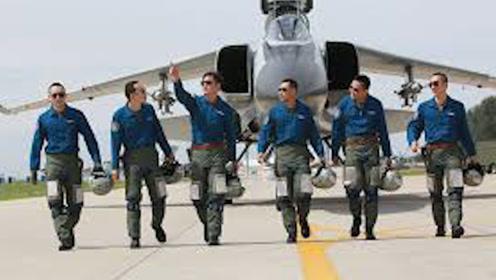为什么空军大多是军官,而陆军晋升却很难?原因让人难以接受!