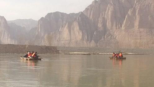 兰州人横渡黄河的船,12头羊才能做一只,游客称太残忍了!