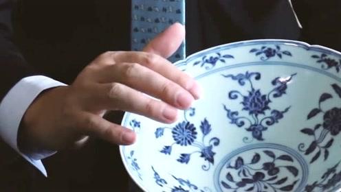 古董商收购瓷碗,大妈:少60元不卖,专家:它价值1个亿