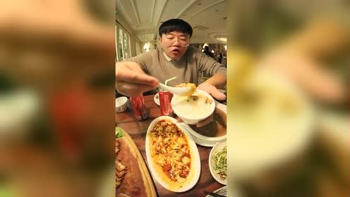 北京美食:王府井一家好吃便宜到哭的餐厅!