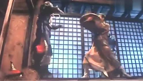 僵尸恐怖来袭,四目道长对午马大师那是相当的慷慨