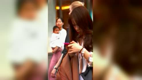 在中国生活的外国妹子,好美。