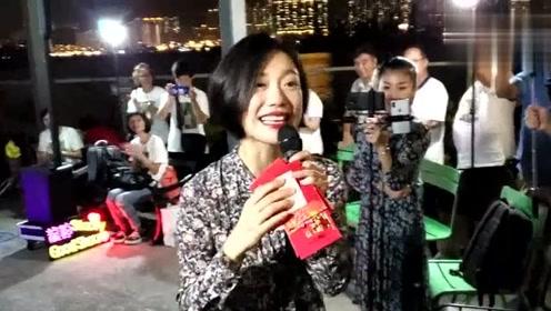 香港小龙女难道来自东北?不然唱起《套马杆》怎么这么威武霸气!