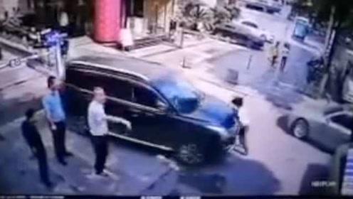 女律师被撞身亡视频公布,死者丈夫:完整视频才能打消顾虑