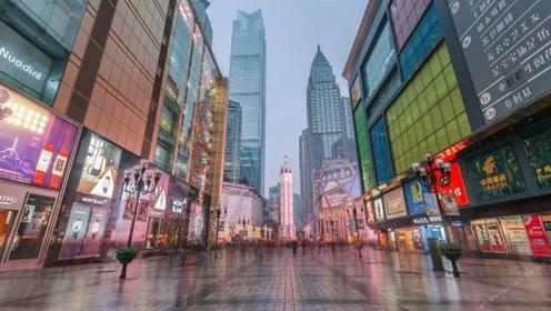 重庆是旅游最欢迎的城市,一眼望去全是人