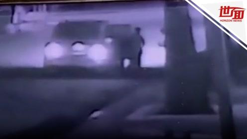 监控曝光:女背包客凌晨街头被强拽上车 惨遭3男子强奸