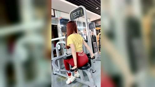 爱健身的美女,才是女神!