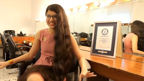 女人头发长见识短?这女人靠拖地长发挣了上百万,还拿了世界纪录