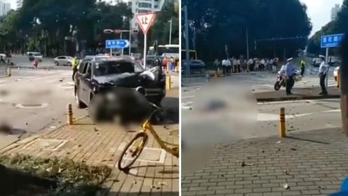 深圳一小车失控冲撞安全岛行人致2死1伤 行车记录仪曝光全程