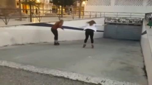 """女子坡道上学滑冰,一阵绝望的""""怒吼""""之后当场尴尬了"""