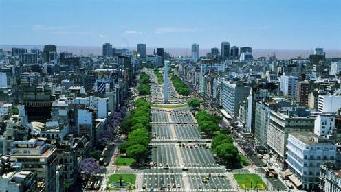 世界最宽的街道148米18条车道 却依然解决不了堵车难题