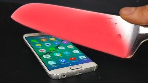 加热1000度的高温刀,能否将手机切成两半?结果你意想不到!
