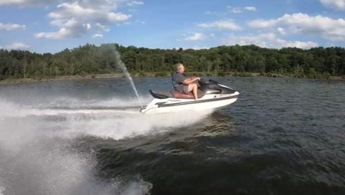 小哥不满意摩托艇的速度,将摩托艇带回家改造,你怎么看