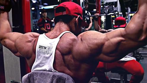 肌肉苦修隐士撸铁20年,肌肉皮肉分离体脂率低至5%,生命不息撸铁不止