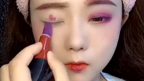 单一的紫色口红画全脸妆容,这才是化妆的最高境界!