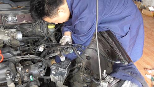 你知道发动机电脑总线是如何分布在发动机和变速箱上面的吗,它控制哪些零件