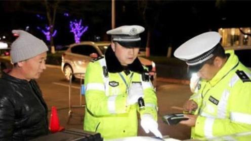 千万别把驾驶证和行驶证放在车里,交警提醒:现在知道还来得及