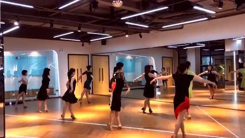 拉丁舞:在看跳舞和老丈人请吃饭之间,我选择看跳舞!