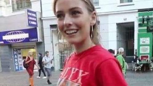 法国姑娘来中国旅游,看到这一幕直呼道:这辈子第一次见到!