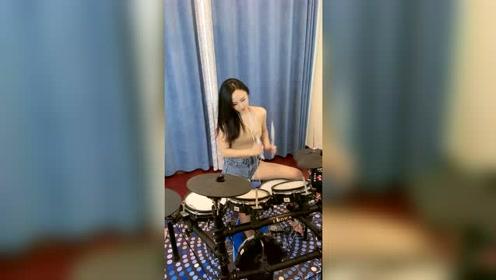 《我的王妃》美女电子琴演奏,真是精彩好听!