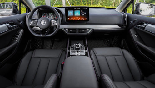 这台国产卖22.99万起,上市卖出5231台,最快加速3.5秒的SUV