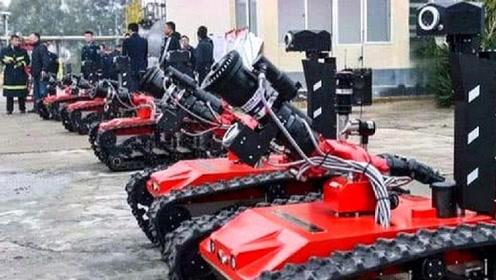 """中国小伙发明""""灭火机器人""""射程超过110米,荣获25项国家专利"""