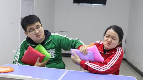 小胖和同学用黏土自制向日葵,结果老师却让叫家长,什么原因?