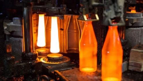 世界上最大的玻璃厂,机器永远不会停,员工全年也没有休息