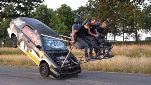 三个小伙坐车顶开车,一脚刹车下去,外国人少的原因找到了!