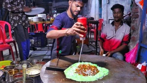 印度小伙街头卖特色小吃,5元一份当地人排长队,游客:不敢吃