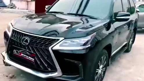 300万的2020款雷克萨斯LX570,打开车门那刻才明白为啥这么贵