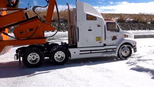 冰路卡车司机-拉重物不容易