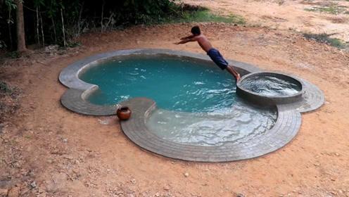 原始技术,野外用一根木棍挖游泳池,真想跳下去游一圈
