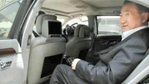 王健林的座驾有多牛?陪伴他二十多年,一年进2次车管所,车牌号无敌了!