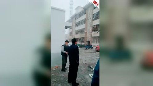 甘肃酒泉一税务局家属院天然气闪爆 冲击波将窗户震碎致3人受伤