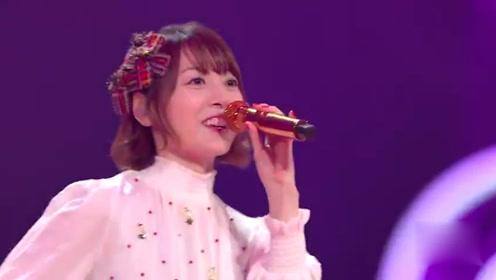 花泽香菜现身双11晚会,甜蜜唱《恋爱循环》,网友:腾格尔在哪?