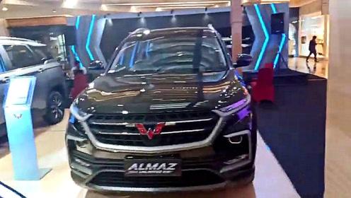 2020款五菱宏光Almaz亮相大商场,打开车门坐进驾驶座,太心动了