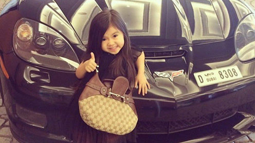 """5岁女孩因""""太漂亮"""",被迪拜富豪收养,如今她怎么样了?"""
