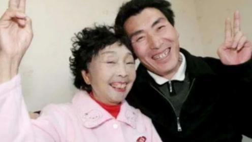 60岁老太整成少女模样,只为嫁给28岁小伙,20年后现状如何?